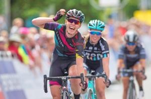 Hannah-Barnes-Canyon-SRAM-2016-salute-sprint-pic-Allan-McKenzie-SWpix.com_